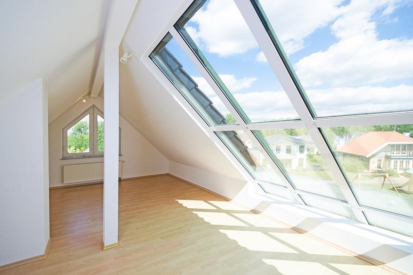 Der Innenausbau Umfasst Die Integration Von Fenstern Und Türen, Aber Auch  Die Gestaltung Von Wänden Und Böden. Umfangreiche Arbeiten Im Innenausbau  Werden ...